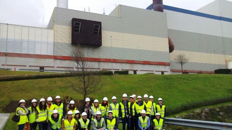 El alumnado de PR3-1º y EA3-1º visita la planta de Zabalgarbi