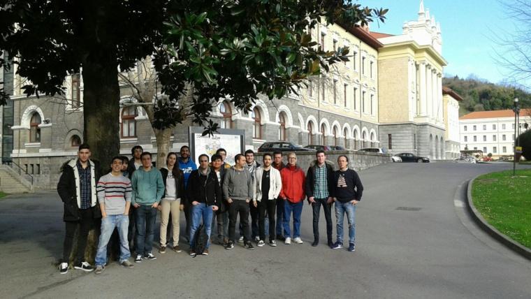Visita al centro de investigaciones DeustoTECH