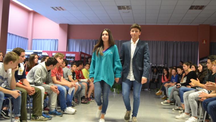 Desfile de moda solidaria en Somorrostro