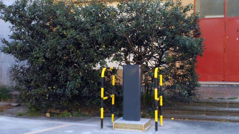 Pioneros en la instalación de puntos de recarga de vehículos  eléctricos en colegios